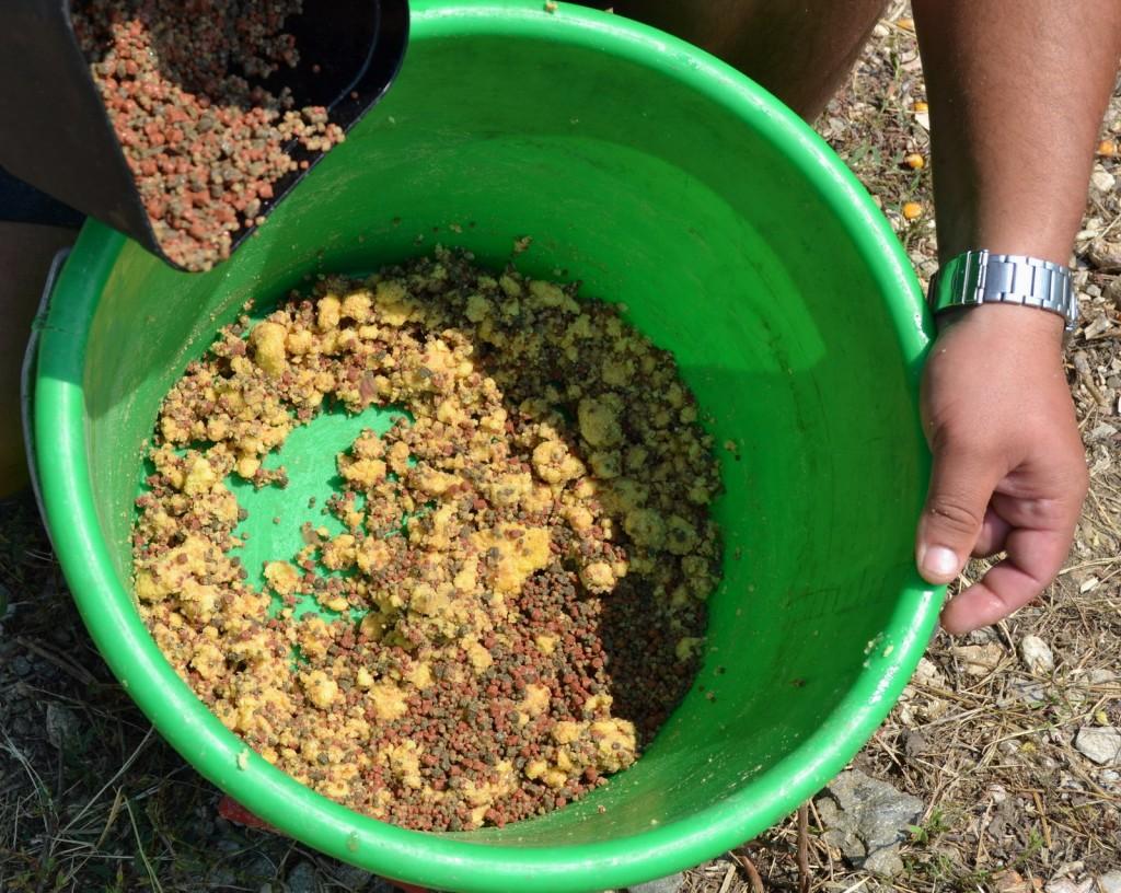 Peletele cu mamaliga, combinatie eficienta pe rauri si ape adanci