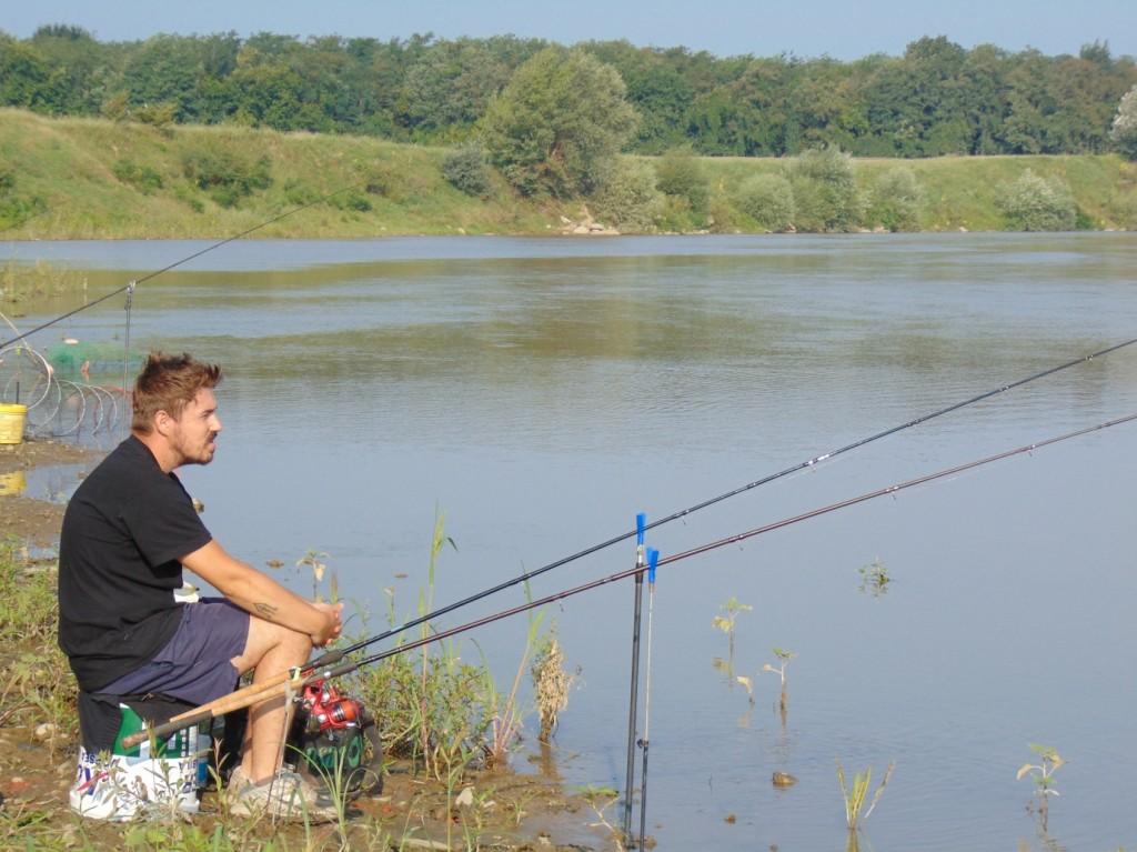 pescuit feeder scobar lansete mures