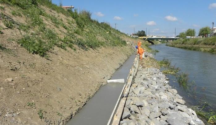 Lucrări de reabilitare pe malurile Canalului Bega – Timişoara