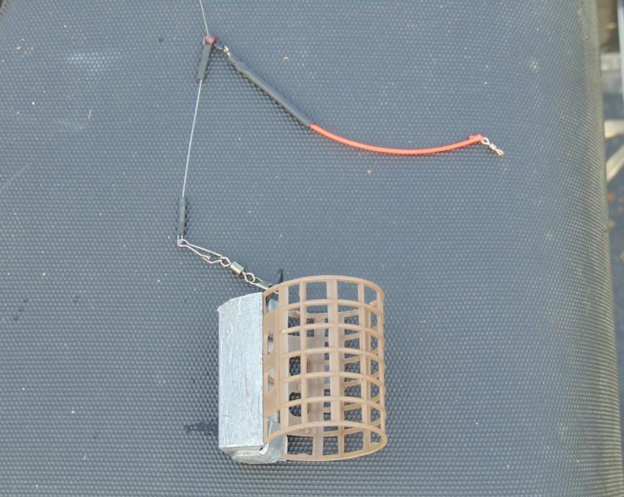 montura feeder