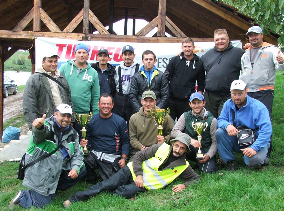 concurentii turneului pescuitarad 2015